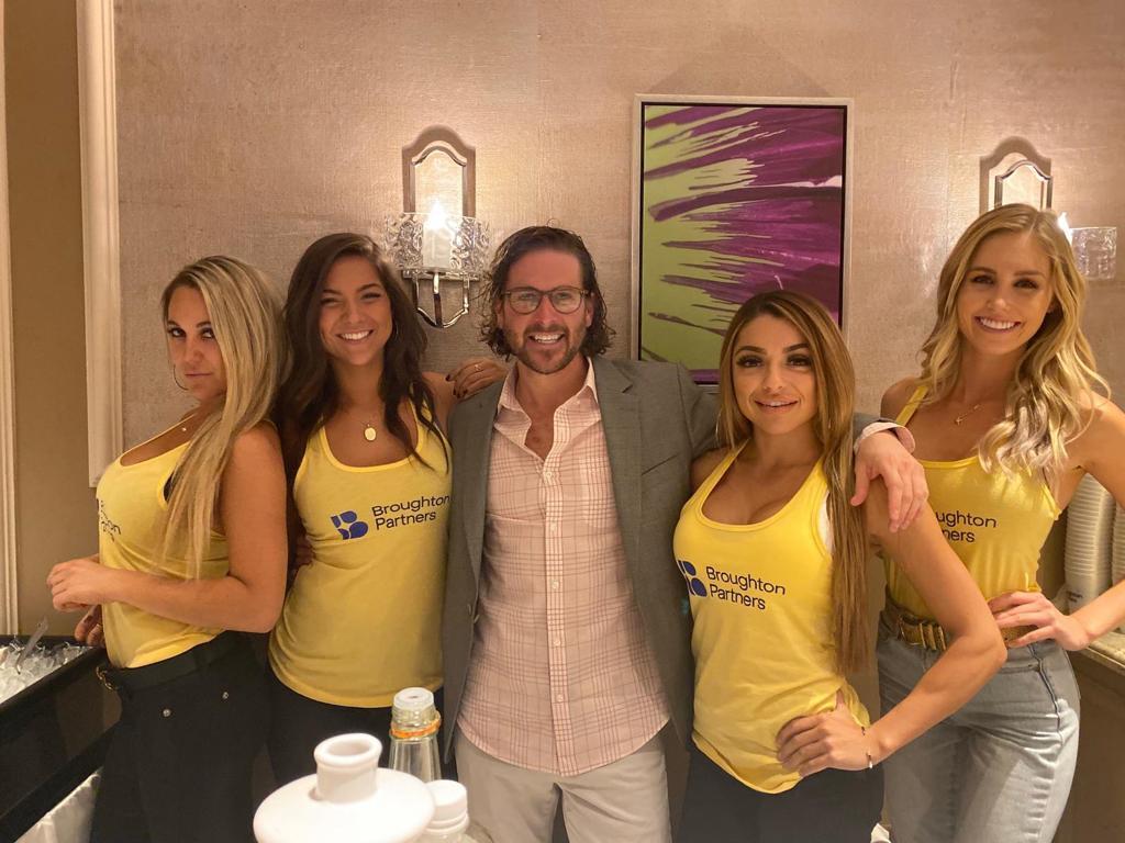Convention Models in Las Vegas | Blink Model Management